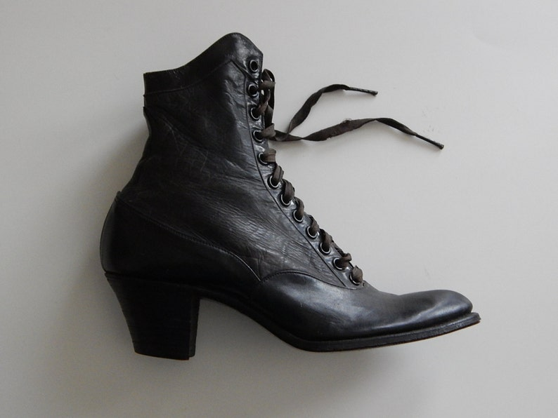 747704b83bdd8 1 Selby Vintage Womens Right Black Victorian Leather Lace Up 22 12 Shoe  Boot Display Home Decor