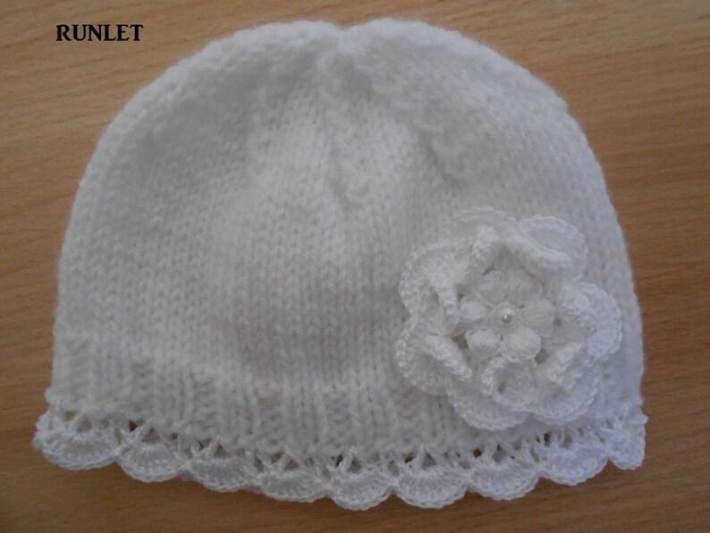 0eb11e9d221 Bonnet bebe laine blanchebonnet naissance dentelle fleur au