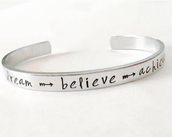 Dream, believe, achieve inspirational bracelet  -  Hand Stamped Bracelet Aluminum Cuff - Inspiration hand stamped cuff - arrows - direction