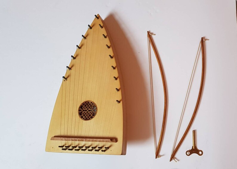 Diatonic Bowed Psaltery in D With bow and case image 0