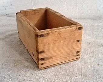 Old wooden box Vintage carpenter tools boxes Old workshop storage container Office treasure box Farmhouse decor Woodworking Home decoration