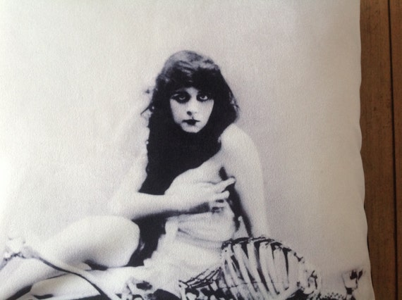 Theda Bara Set Of 2 18 Velveteen Pillow Case The