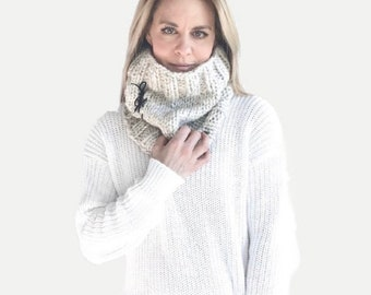 Chunky Knit Cowl with Leather Ties    THE URBANO