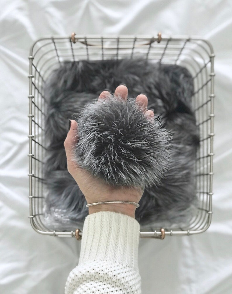 Fur Pom with Detachable Snap for Knit Hat  SILVER GREY  image 0