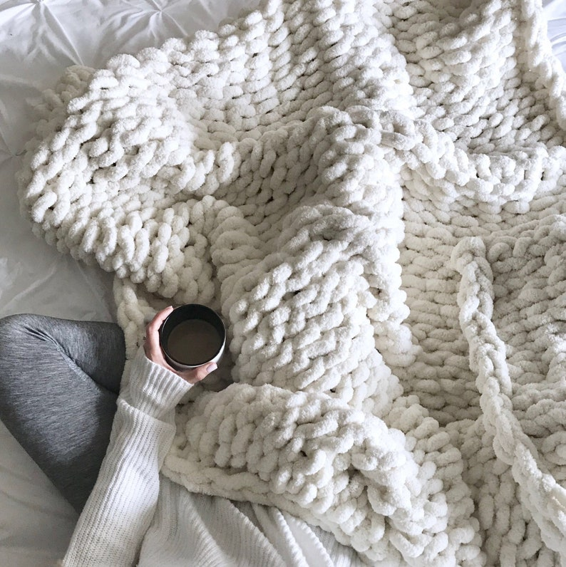 Giant Knit Blanket Throw Chenille  Ivory/off-white  THE image 0