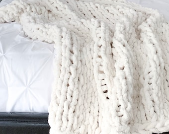 Jumbo Knit Blanket Throw Chenille | Ivory/off-white | THE GRANDE