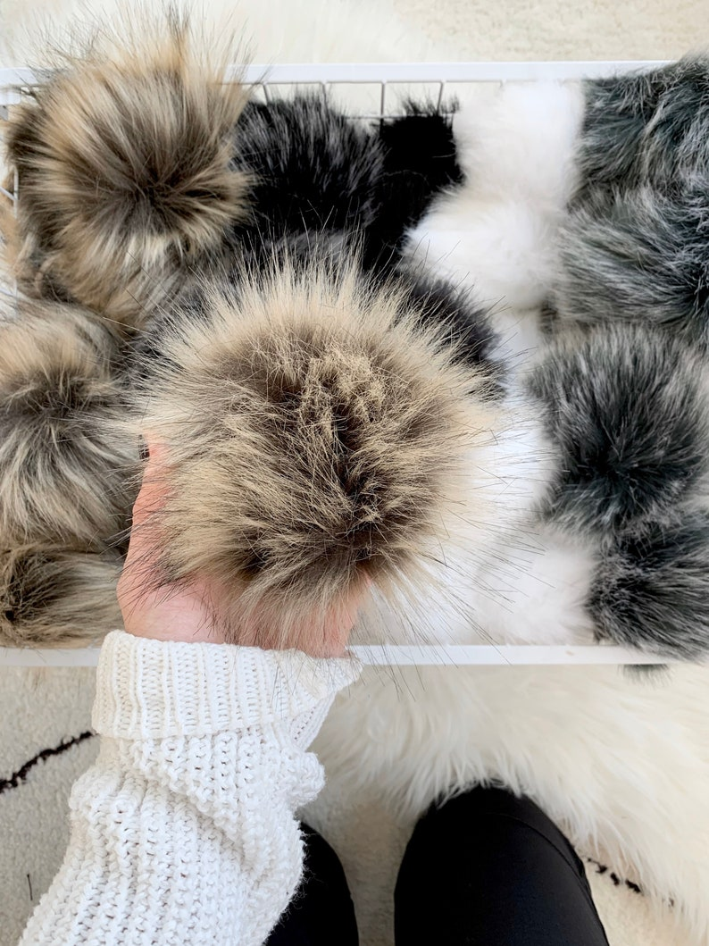 Faux Fur Pom with Detachable Snap for Knit Hat  FAUX RACCOON image 0