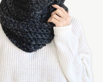 Chunky Crochet Ribbed Infinity Scarf     THE ANELLO