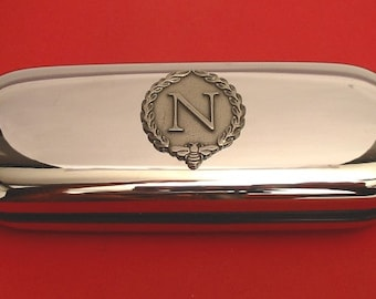 THE LIGHT INFANTRY ARMY BADGE CRESTED GIFT CHROME GLASSES PEN OR DARTS CASE