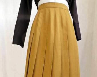 toffee tennis midi skirt. size small medium.