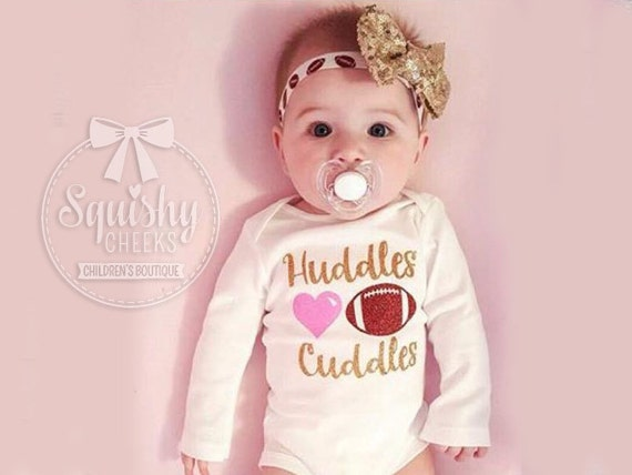 Baby Madchen Fussball Outfit Madchen Fussball Body Schmiegt Und Kuschelt Baby Fussball Outfit Fussball Body Fussball Stirnband