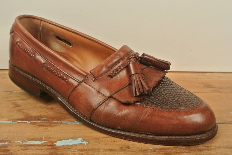 93aa12c2325f3 Allen Edmonds Cody Brown Kiltie Tassel Loafer Men's Size: 8.5D