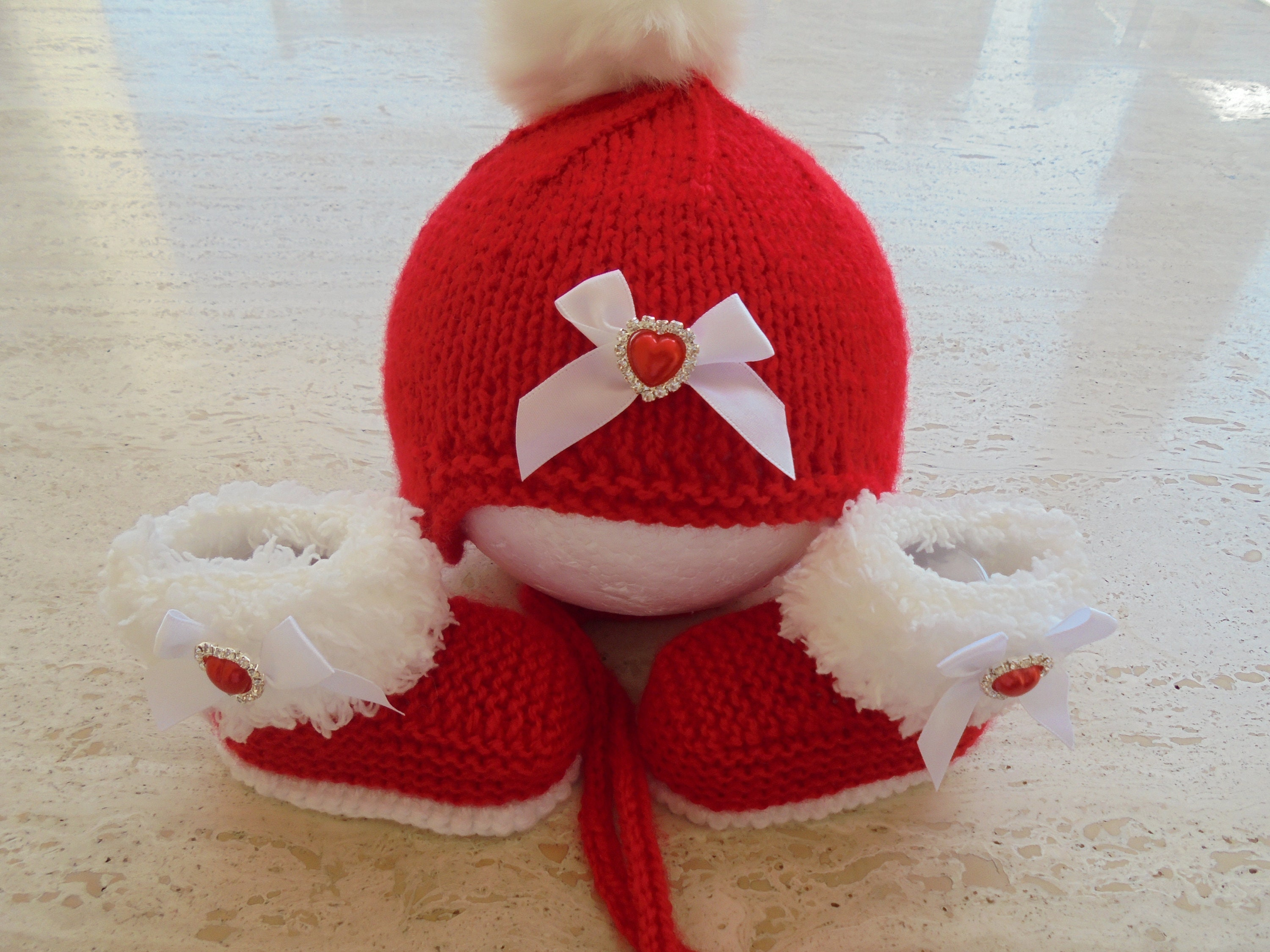 018a6256098 Knitted Baby Girl Booties And Hat Set Baby Girl Santa Baby
