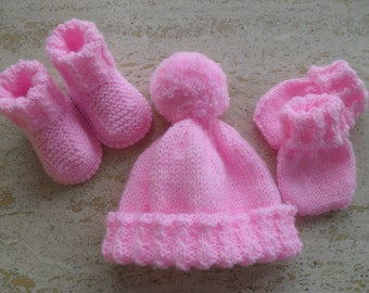 Instant Download Knitting Pattern Baby Girl Hat, Booties & Mittens Set - Quick Easy Makes Three Sizes