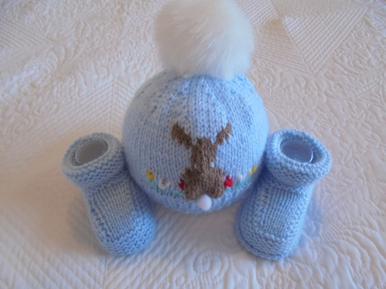9bdd0d3982a9 Knitted Baby Boy Hat And Booties Baby Boy Booties And Hat