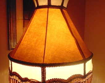 Vintage Lamp Shade. Lamps Antiques