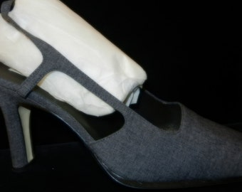 3f60527ca06 Dark Charcoal Sling-back Shoe Size 9M with Leather Soles and a 3