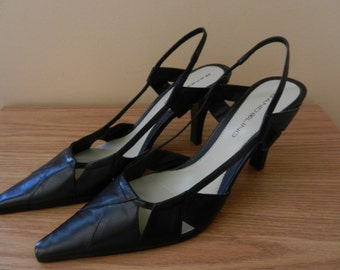 68f5e12a094 Women s Leather Slingback Shoes Bone and Black Colors - 9M - Vintage