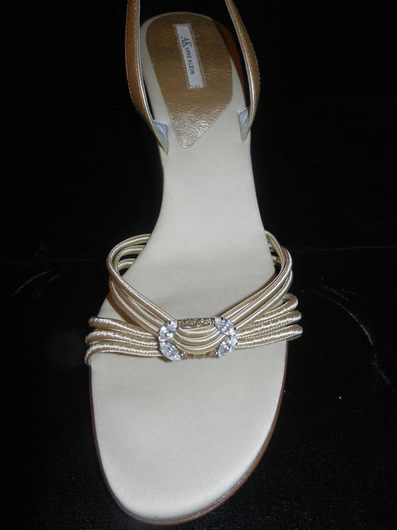 be6f6a6a650 Anne Klein Fabric Slingback Shoes 9M Silver Satin Fabric