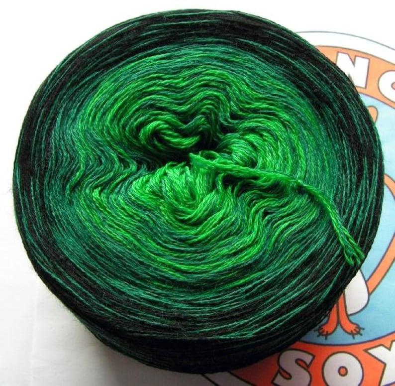 357g/1200 m 100% Merino extra fine emerald forest image 0