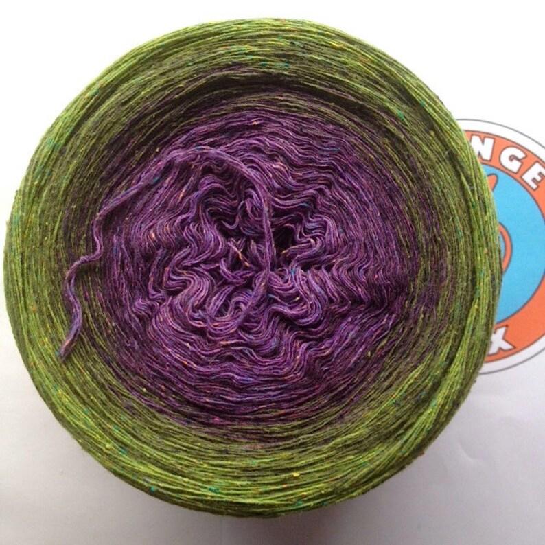 266g/900m Bourette silk/wool/PA Blackberry image 0