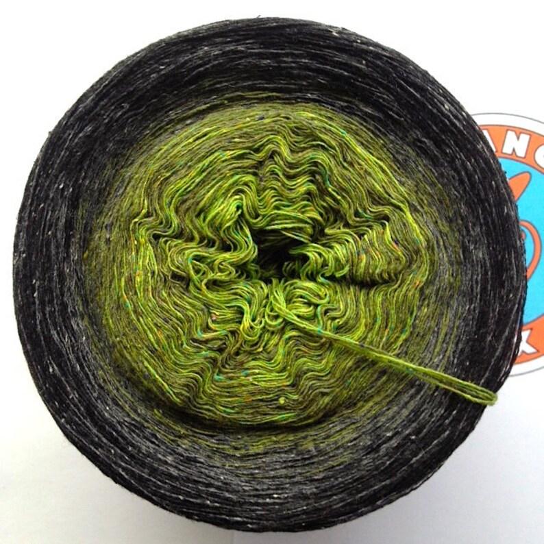 260g/900m Bourette silk/wool/PA fir peak image 0
