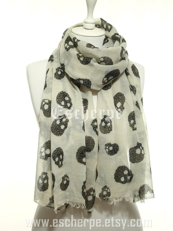 Off-White Leopard Skull So Soft Lightweight Scarf Woman Accessory Spring Celebrations Summer Fashion Gift Ideas For Her Mom