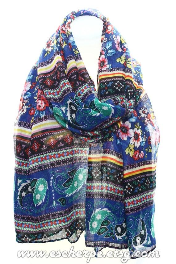 a3597ab9ebc9 Floral Print Paisley impression Boho foulard coeur écharpe   Etsy