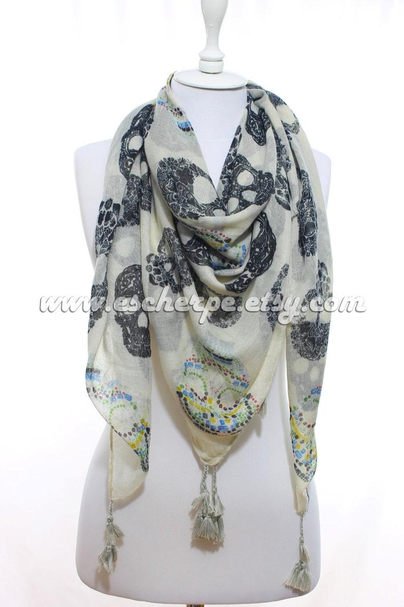 523ba698d5d Art de foulard tête de mort imprimé foulard sucre crâne femme