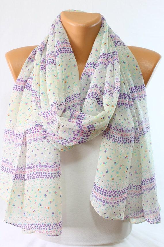 c6d932e47e23 Foulard en mousseline de soie satin perle foulard Daisy Violet   Etsy