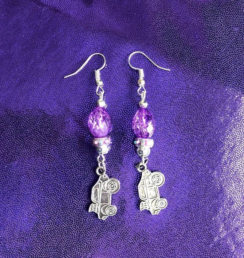 Drag Racing Hot Rod Car Beaded Purple Dangling Charm Earrings 2 34\u201dLong New
