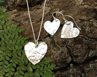 Heart necklace and earrings, heart earrings, heart jewellery set, hammered hearts silver heart necklace, gift for her, teenage girl gift