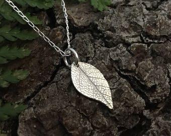 Silver leaf neckalce, leaf pendant, silver leaf jewellery, botanical jewellery, gift for her, gift for garden lover, teenage girl gift