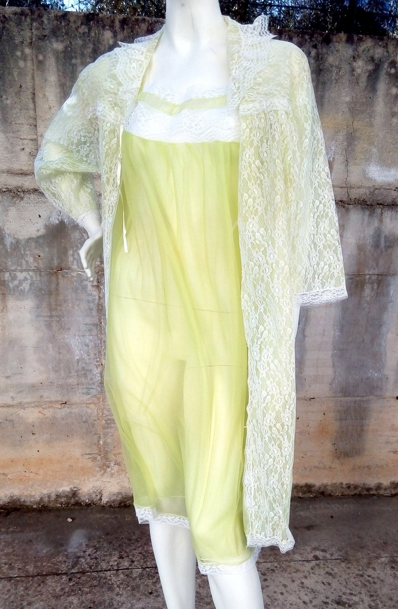 Dressing gown with petticoat vintage 60/'s made in Italy size M  L