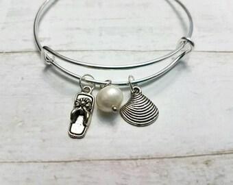 Personalized Beach Pearl Charm Bracelet, Initial Shell Charm Bracelet, Silver Charm Bangle, Sister's Charm Bangle, Girls Gift, Wife's Gift