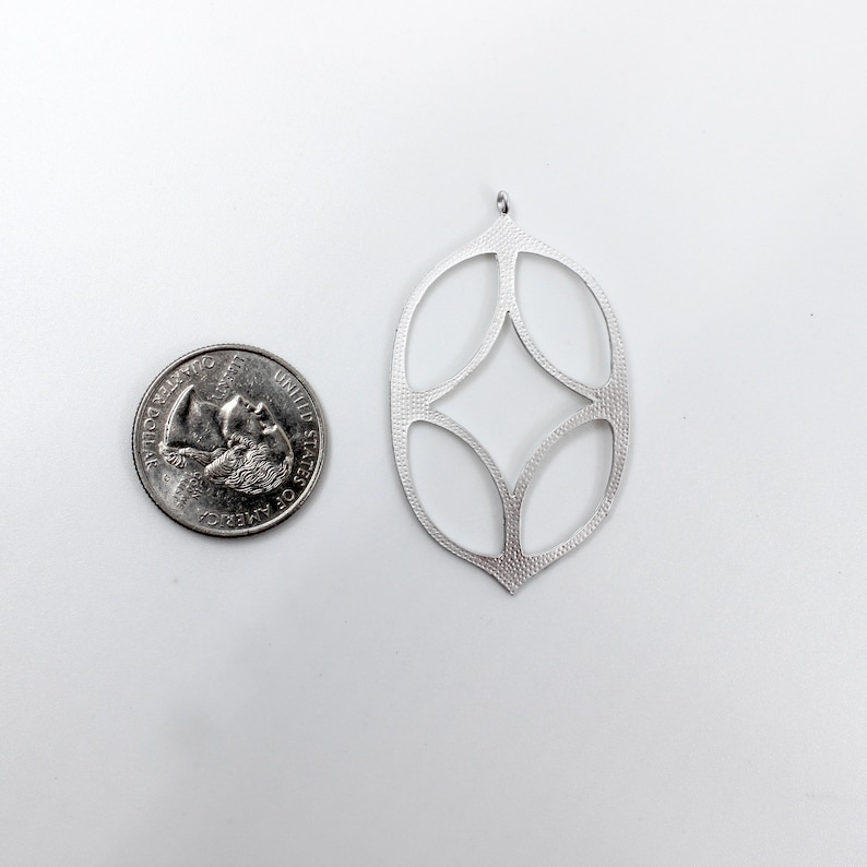 Modern Charm Jewelry Charms  BBB SUPPLIES   C-J013S Funky Cut Out Charm Silver Oval Filigree Pendant B6 Stained Glass Hippie Charm