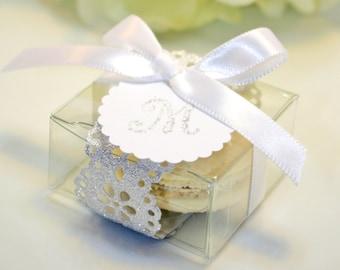 Silver Wedding Favors, Elegant Silver Doily Macaron Box - 30 Glitter Silver Favor Boxes
