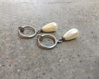 Clip earrings, with drops of water, daily jewelry, silver white shape beads