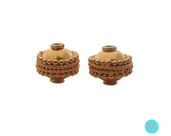 Two 9mm 22 carat Gold Vermeil Beads, Two 9mm 22 carat Gold Vermeil Discoid Beads, Two 9mm 22 carat Gold Vermeil Saucer Beads