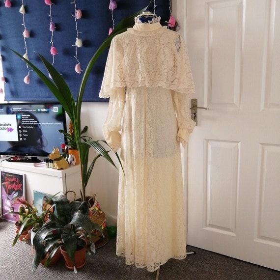 True vintage 1970s Kati Laura Phillips wedding dre