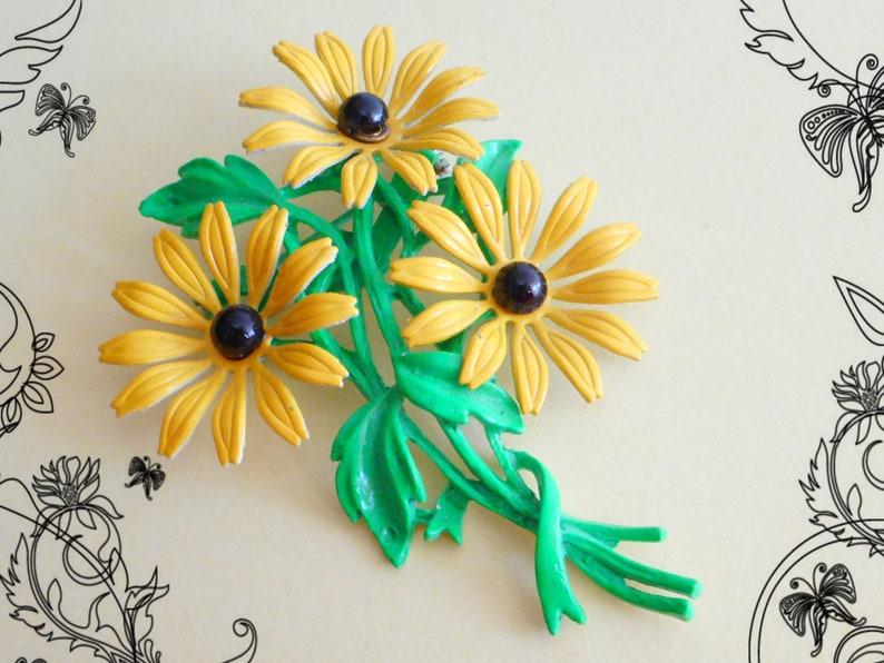 1ef2c7c88 Fab Vintage 1960's Enamelled Triple Daisy Flower Brooch | Etsy