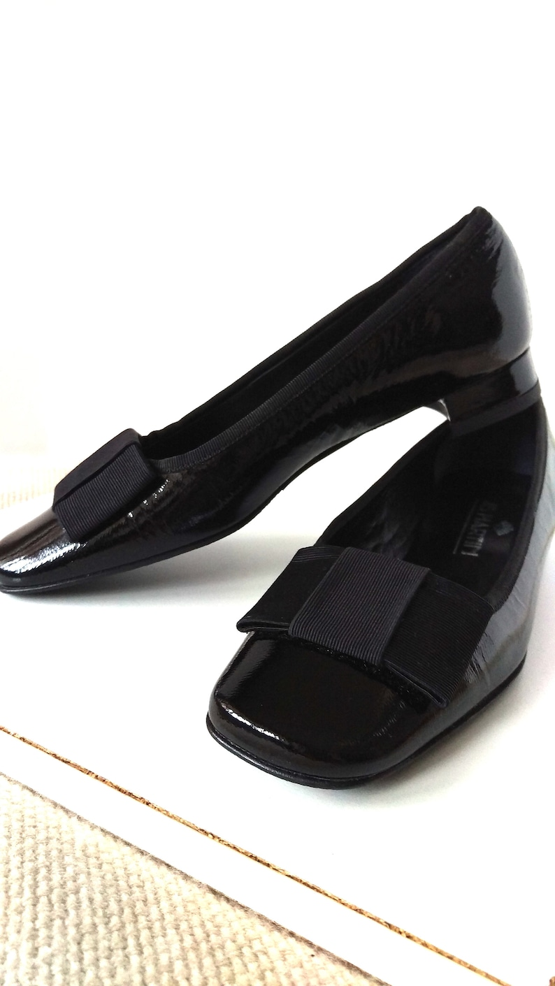 0cddc3a4dbe Vintage 90 s black patent leather bow-top flats 90 s
