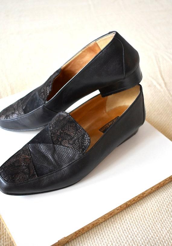 Vintage 90's black leather loafers
