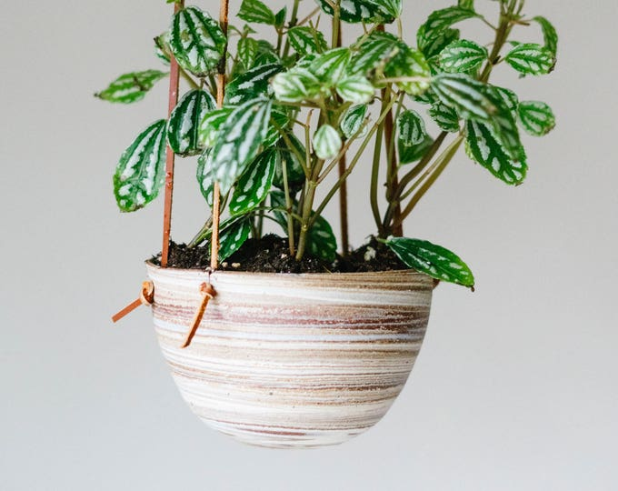 Medium hanging planter - Marbled clay - Leather - Ceramics & Pottery - KJ Pottery