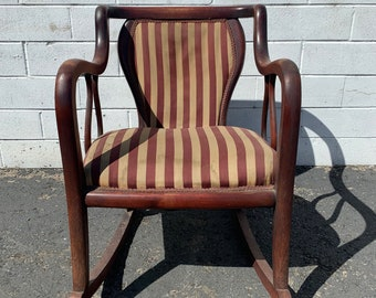 Antique Rocking Chair Wood Armchair Traditional Victorian Vintage Entry Way Seating Lounge Set Nursery Rocker Furniture Formal Living