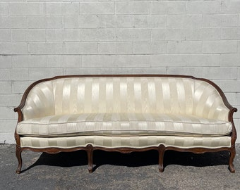 Antique Sofa Couch Loveseat Bench Settee French Provincial Boudoir Vintage Regency Entry Way Chippendale Sofa Shabby Chic Victorian Seating