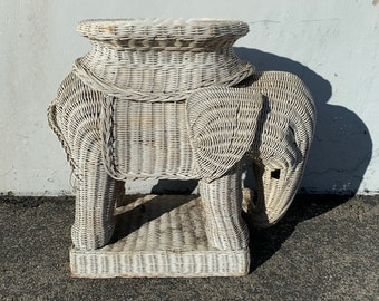 Vintage Wicker Elephant Garden Stool Plant Stand Chinoiserie Asian Ceramic Palm Beach Inspired Hollywood Regency Seats Table White Boho Chic