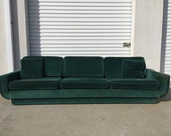 Ordinaire Sofa Couch Green Velvet Vintage Hollywood Regency Loveseat Lounge Seating  Settee Brass Tacks Trim Nailhead Emerald Mid Century Modern Glam