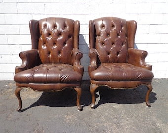 2 Leather Chairs Tufted Wingback Armchairs Set Seating Vintage Chesterfield Chippendale Lounge Mid Century Modern English Wing Back Pair
