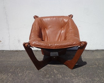 Mid Century Chair Scoop Falcon Style Lounge Chair Vatne Mobler Modern MCM Style Seating Leatherette Lounge Wood Seating Vintage Furniture
